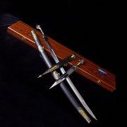 Кубачинский подарочный набор в футляре (шашка и кинжал с позолоченными вставками) арт.2946