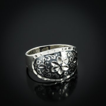 """Кубачинское серебряное кольцо ручной работы """"Нежность"""""""