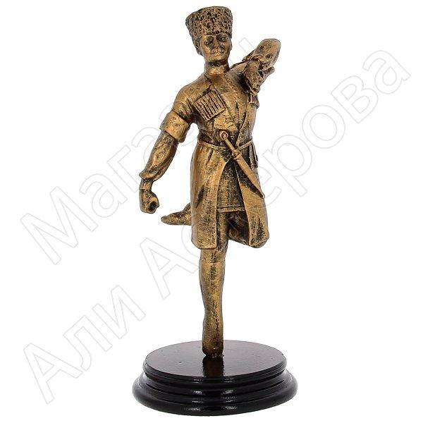 """Подарочная статуэтка ручной работы """"Горец в танце"""" (обожженная глина)"""